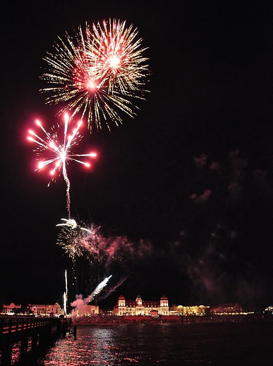 Binz Feuerwerk auf der Seebrücke - Fototouren