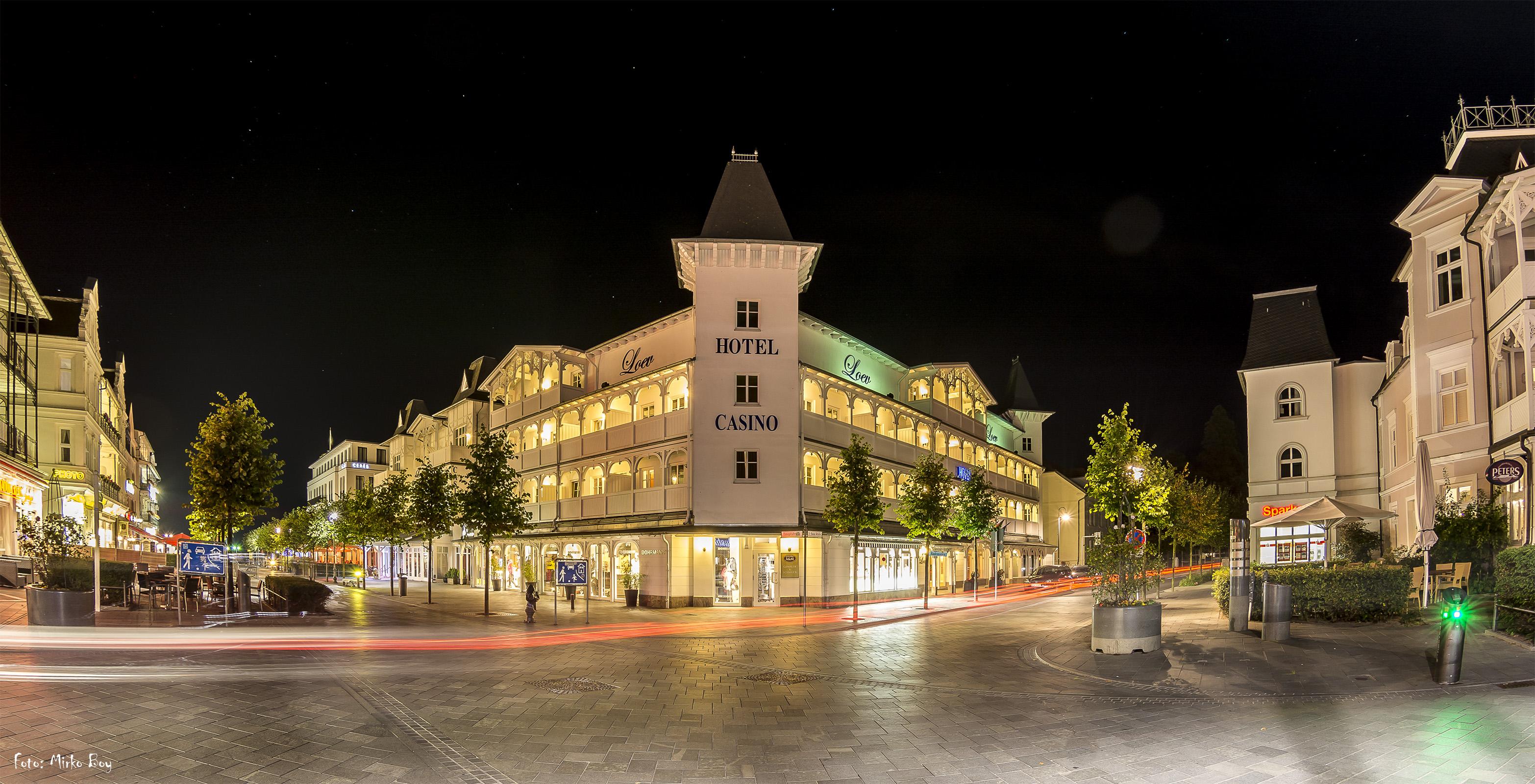 Loev Hotel bei Nacht - Fototouren